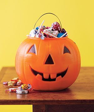 Halloween-salon-marketing-ideas