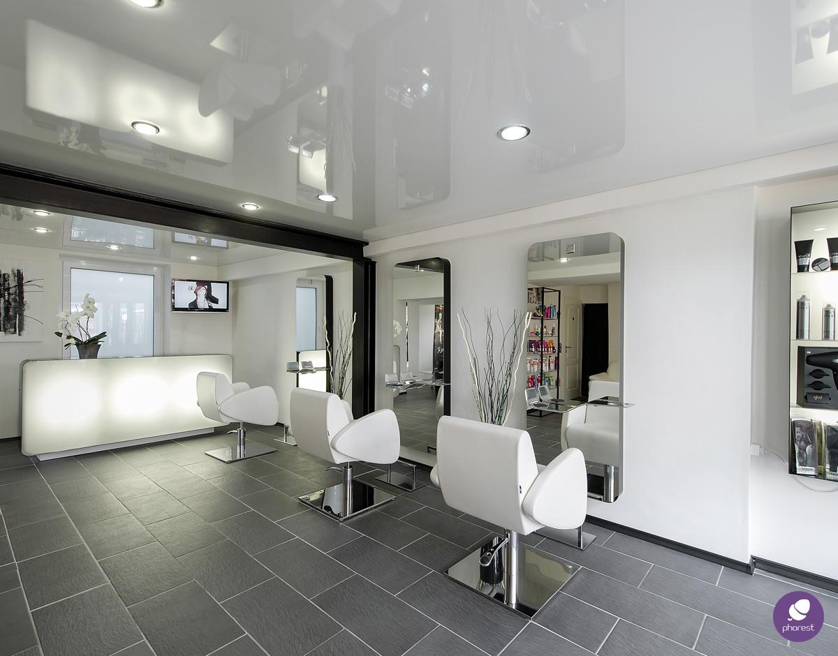 Should You Throw A Salon Open House?